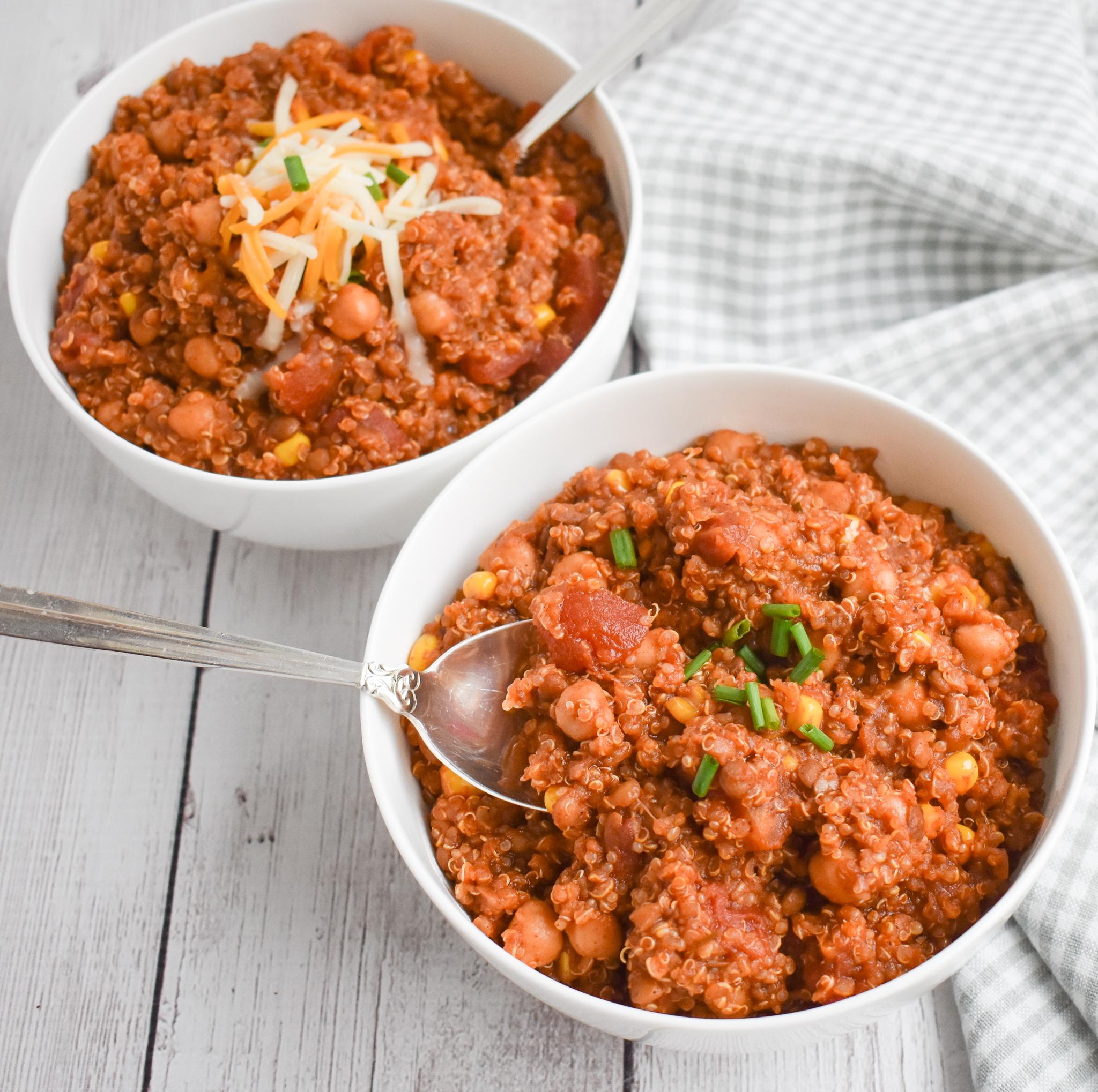 Low Fodmap Slow Cooker Vegan Meatless Chili With Quinoa Gluten Free Rachel Pauls Food
