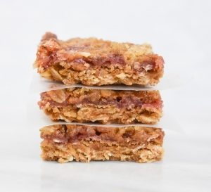 low fodmap strawberry oat bar
