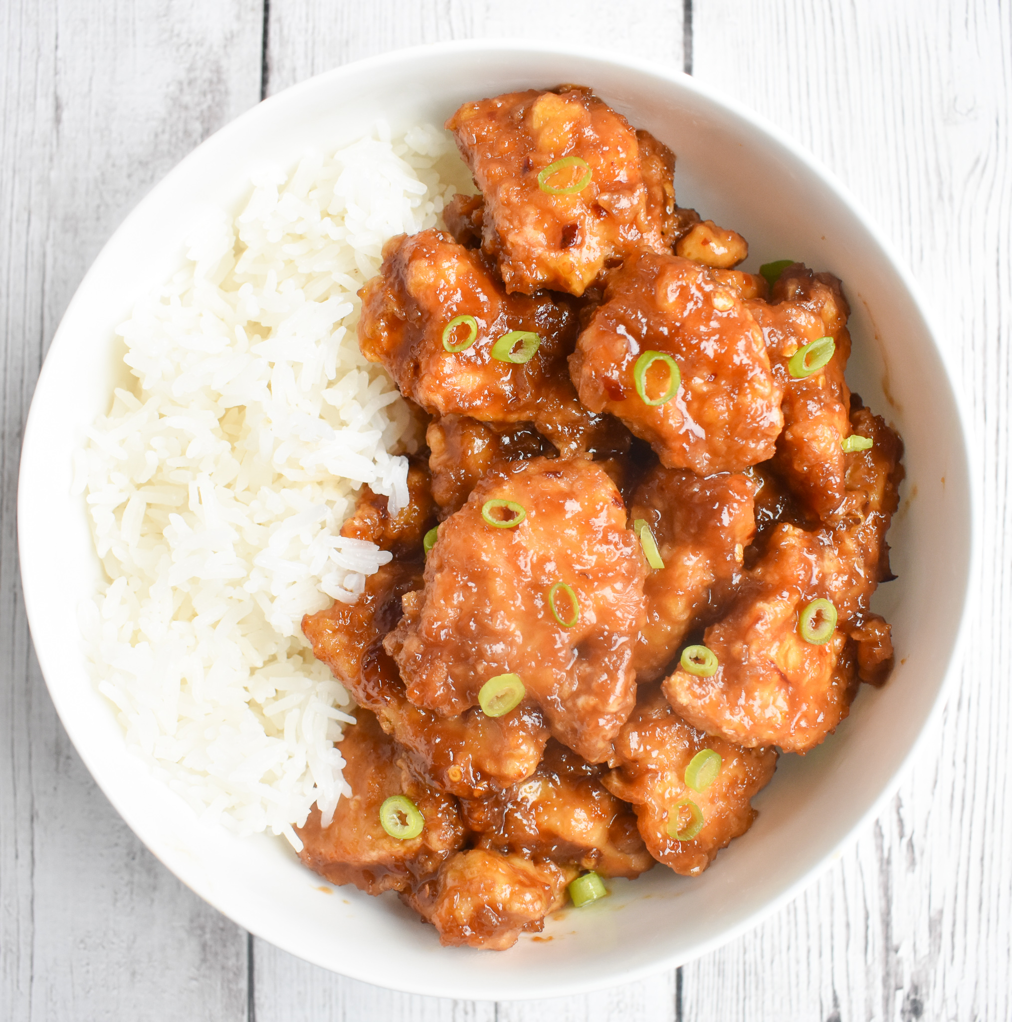low-FODMAP close up orange chicken